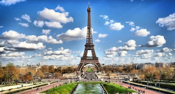 Torre Eiffel França entre os países que mais recebem turistas no mundo