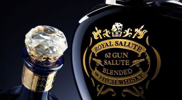 Chivas Regal Royal Salute  um dos whiskys mais caros do mundo