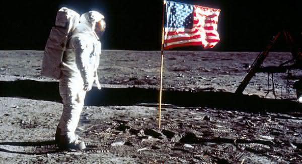 suposto homem na lua