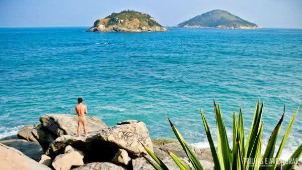abrico uma das melhores praias de nudismo do brasil