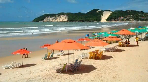 Praia de Ponta Negra um das mais visitadas do Brasil