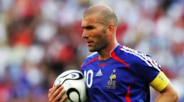 Zinedine Zidane entre jogadores mais caros de todos os tempos