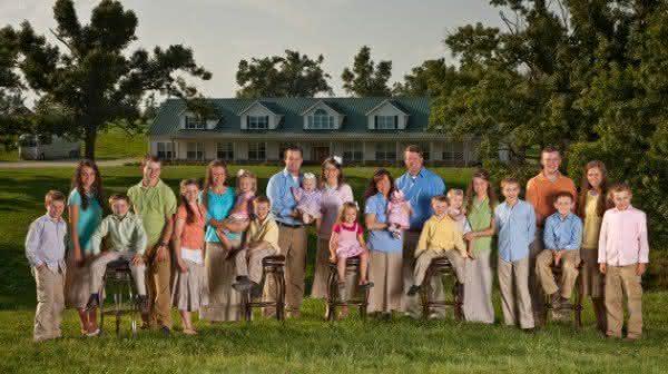 duggar uma familia com 19 filhos