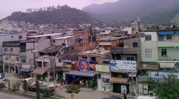 favela rio das pedras entre as mais populosas do Brasil