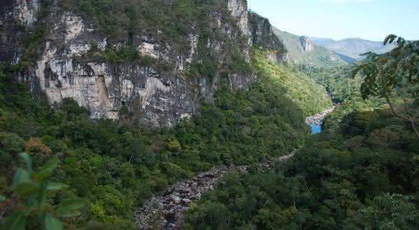 Parque Nacional das Emas e Chapada dos Veadeiros