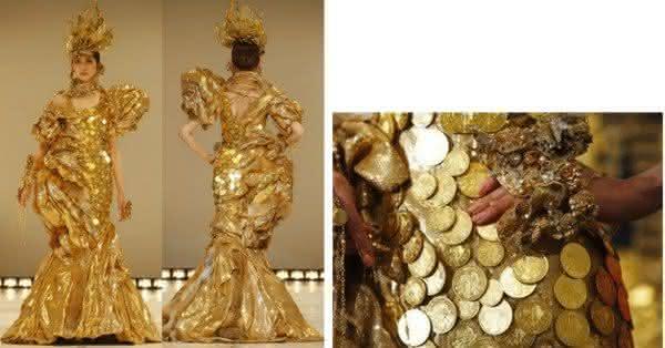 vestido de moeda de ouro