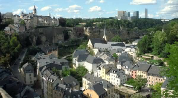 luxembrugo entre os paises com maiores medias salarias do mundo