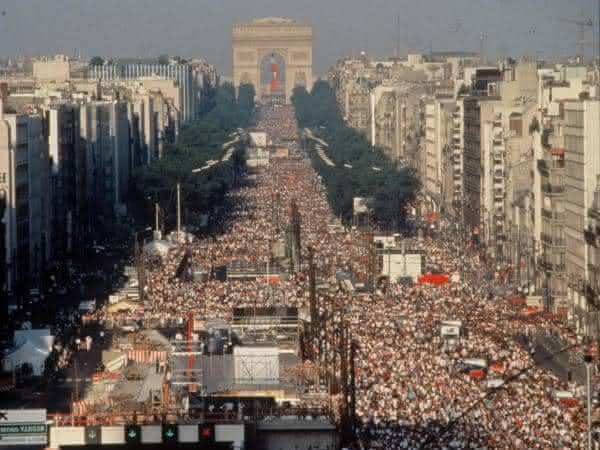 Jean Michel Jarre paris entre os maiores shows de todos os tempos