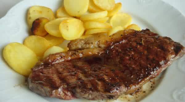 carne de vaca entre os limentos ricos de proteina