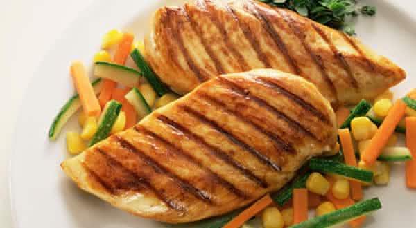 carne frango e rico em proteina
