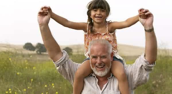 franca entre os paises onde as pessoas vivem por mais tempo