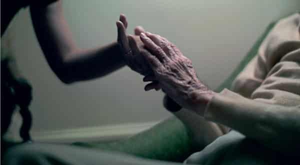 Top 10 maiores arrependimentos de quem esta a beira da morte