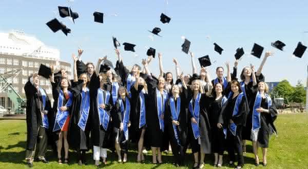 irlanda entre os países com maiores índices de formados em curso superior