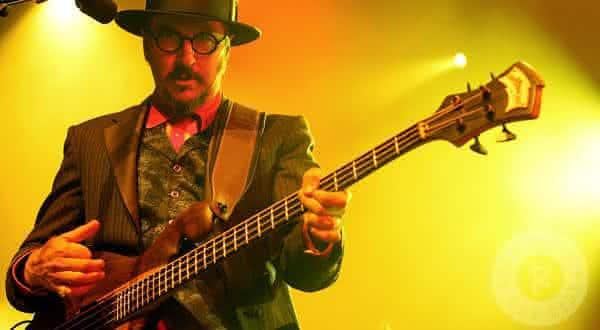 Les Claypool entre os melhores baixistas de todos os tempos