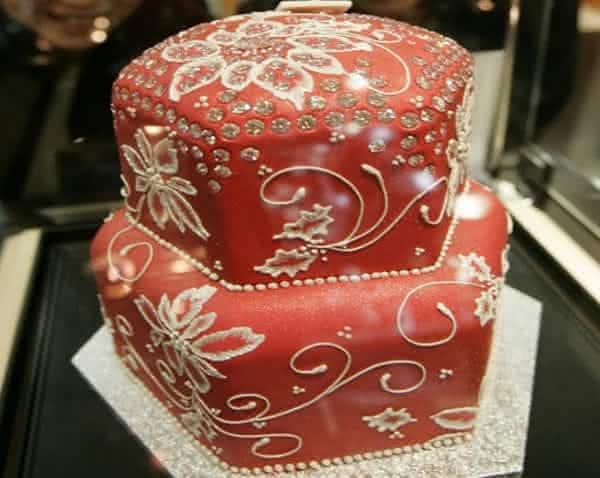 fruitcake de diamante entre as sobremesas mais caras do mundo