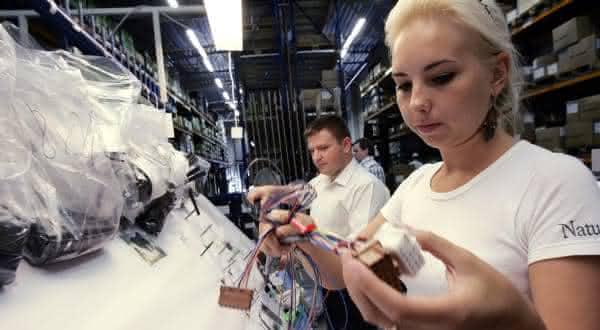 estonia entre os paises que mais trabalham no mundo