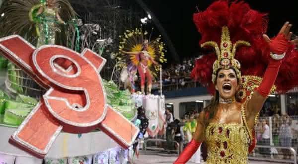 https://i2.wp.com/top10mais.org/wp-content/uploads/2015/02/x9-paulistana-uma-das-escolas-de-samba-com-mais-titulos-no-carnaval-paulista.jpg?resize=600%2C330&ssl=1