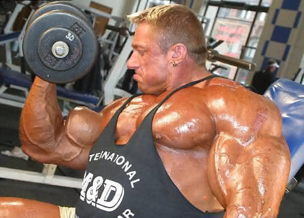 Markus Ruhl entre os casos de abuso de esteroides anabolizantes