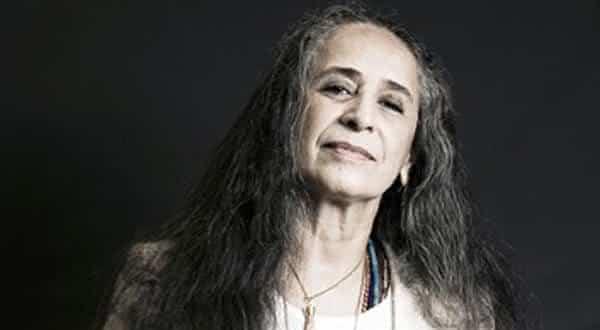 maria bethania entre os artistas que venderam discos no brasil