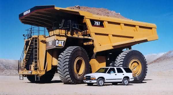 Caterpillar 797F entre os maiores caminhoes do mundo