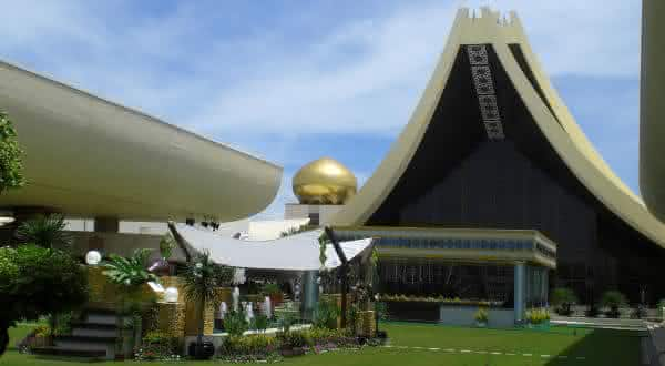 Istana Nurul Iman Palace 2 entre as maiores casas do mundo