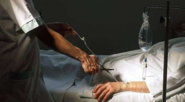 poder aos medicos razoes pelas quais a eutanasia nao e a solucao