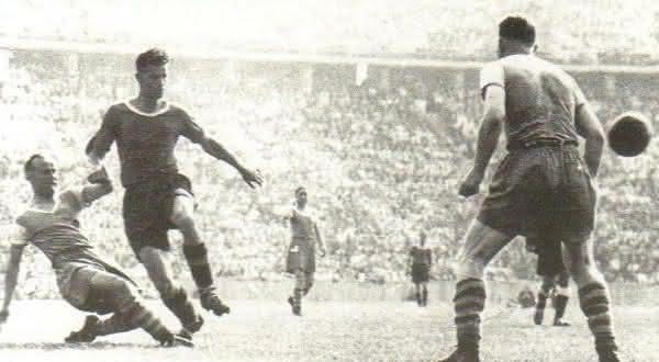 Franz Binder entre os maiores artilheiros da historia do futebol