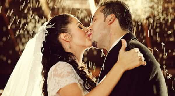 beijo de casamento entre os fatos interessantes sobre o casamento