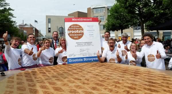 maior waffle entre os maiores alimentos do mundo