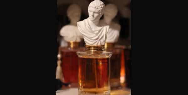 Ambre Topkapi entre os perfumes masculinos mais caros do mundo