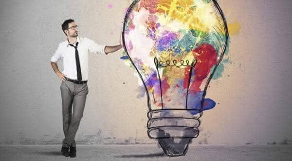 criativos razoes pelas quais os timidos sao mais atraentes