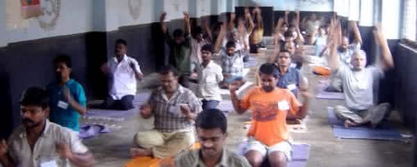 yoga entre as maneiras de sair da prisao legalmente