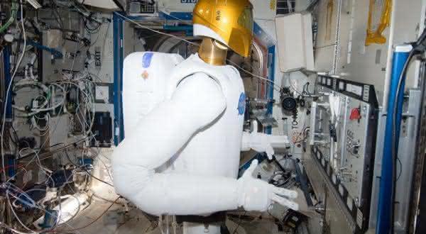 astronaltas empregos que os robos podem roubar dos seres humanos