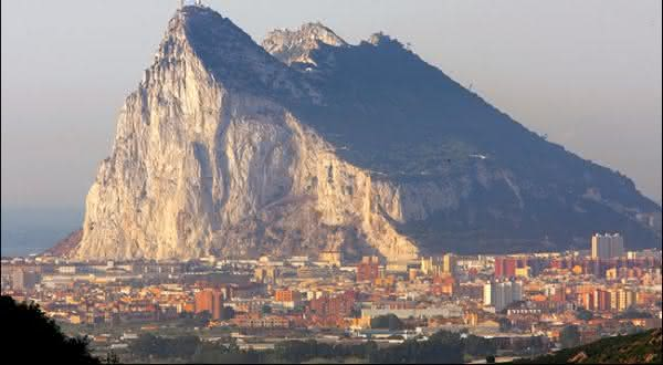 rocha de gilbratar entre as maiores rochas do mundo