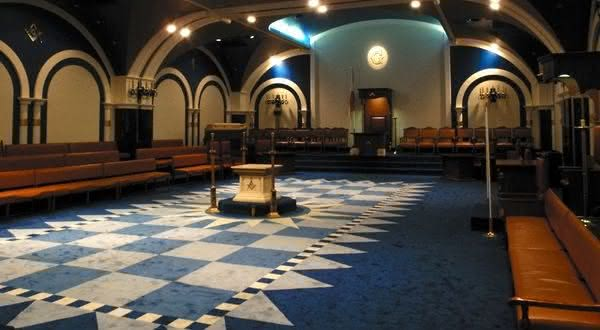 ateus entre os escandalosos segredos maconicos