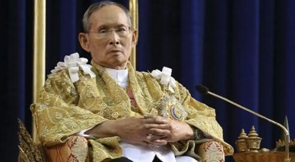 bhumibol-adulyadej-entre-os reis mais ricos do-mundo