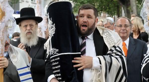 raça separada entre os mitos comuns sobre o judaismo