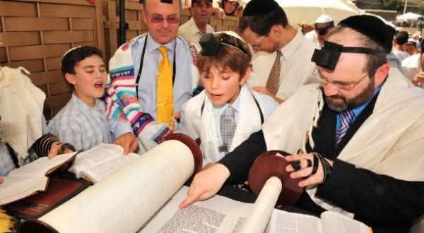 velho testamento entre os mitos comuns sobre o judaismo