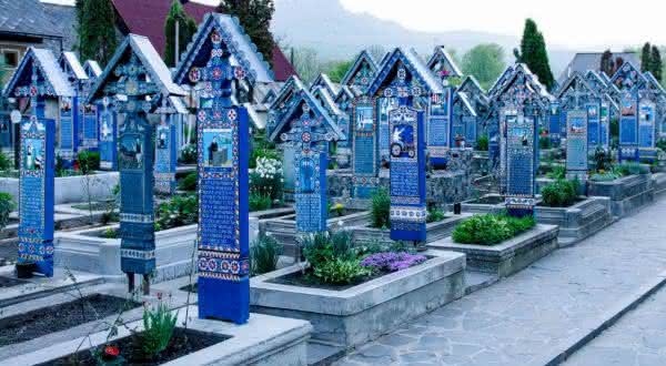 Merry Cemetery entre os cemiterios mais bonitos do mundo
