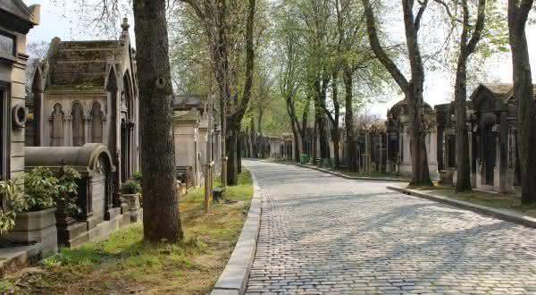 Pere-Lachaise entre os cemiterios mais bonitos do mundo
