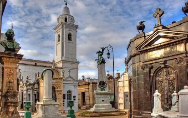 Recoleta Cemetery 2 entre os cemiterios mais bonitos do mundo