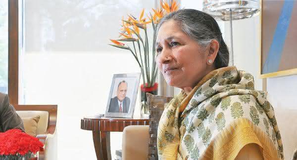 Savitri Jindal entre os politicos mais ricos do mundo