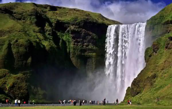 Skogafoss entre as cachoeiras mais bonitas do mundo