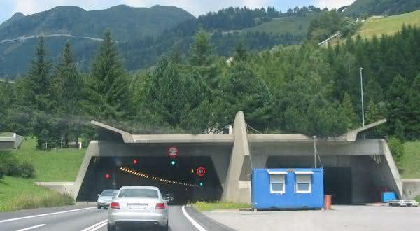 Gotthard entre os tuneis rodoviarios mais longos do mundo