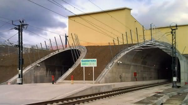 Guadarrama entre os tuneis ferroviarios mais longos do mundo