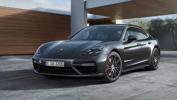 Porsche Panamera Turbo entre os sedan 4 portas mais rapidos do mercado
