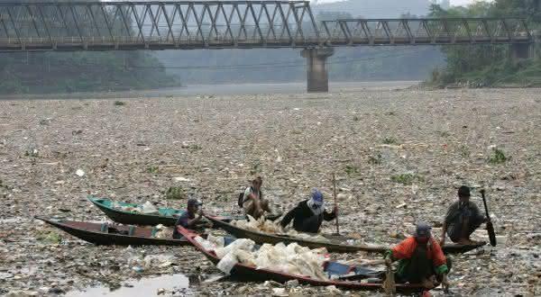 river Citarum entre os lugares com as aguas mais contaminadas do mundo