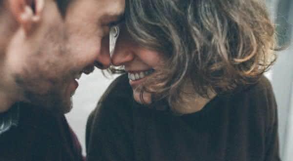 subestimar coisas que as mulheres maduras nao fazem em um relacionamento