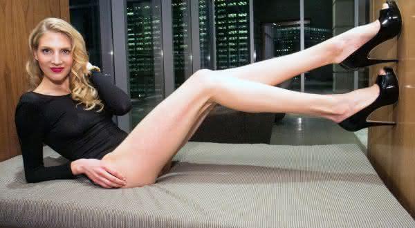 Brooke Banker entre as mulheres com as pernas mais longas do mundo