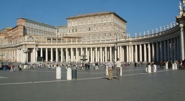 Palacio Apostolico entre os maiores palacios do mundo